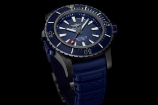 01_superocean_48_in_black_titanium_with_blue_dial_and_blue_vented_rubber_strap_22901_19-03-191@2x